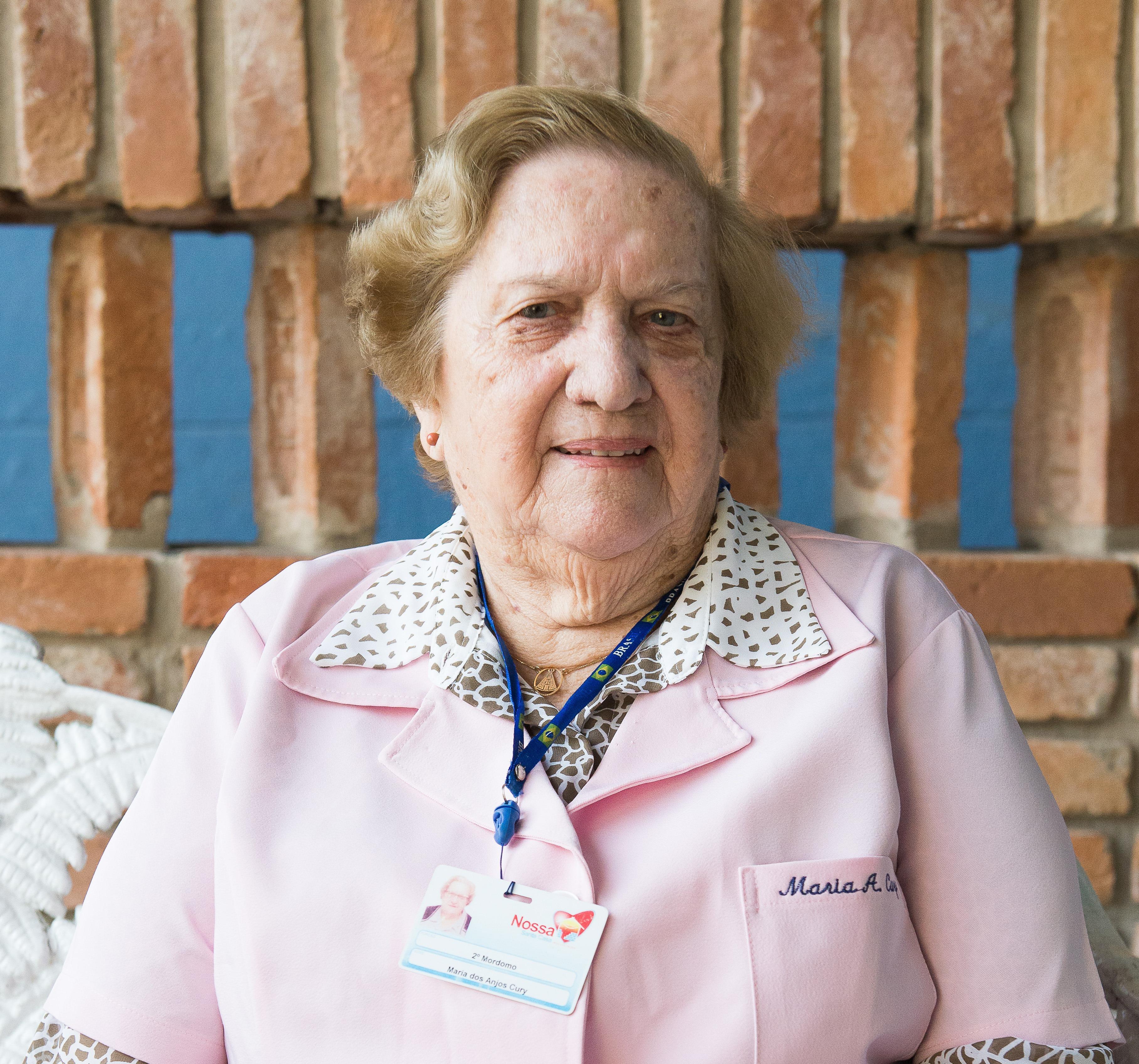 Sra. Maria dos Anjos Cury